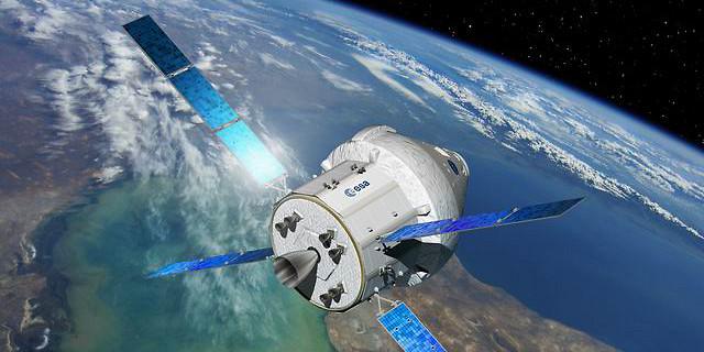 David Ducros - La capsule américaine Orion propulsée par le module de ressources de l'ATV 56325