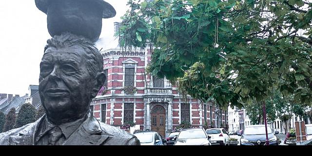 Julien Barthélemy - Magritte statue bronze 84889